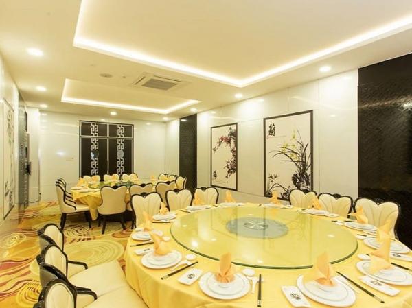 Nhà hàng tiệc cưới Yau Hau Fook mở cửa trở lại phục vụ thực khách