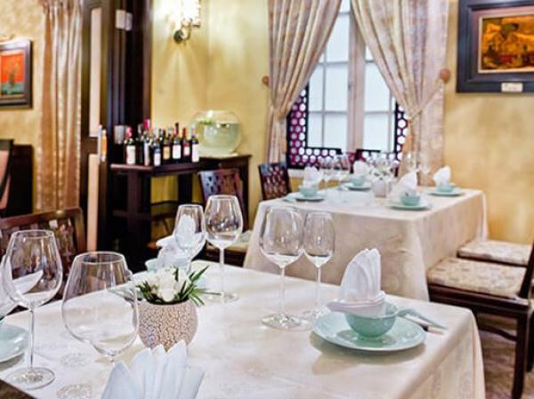 Nhà hàng Nam Phương