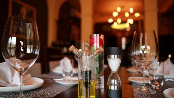 Nhà hàng Hedonism 62 Tuệ Tĩnh