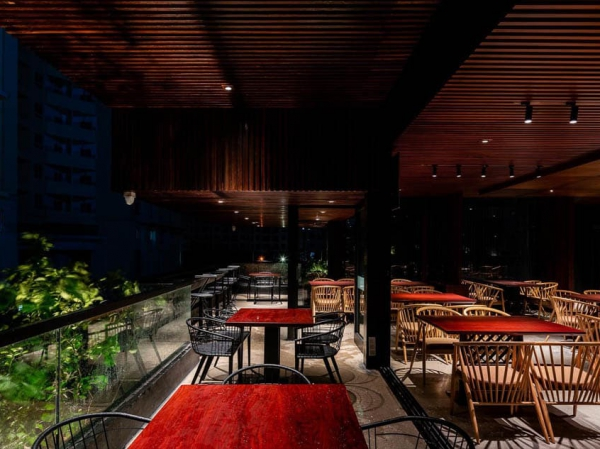 Nam Long Cafe & Restaurant